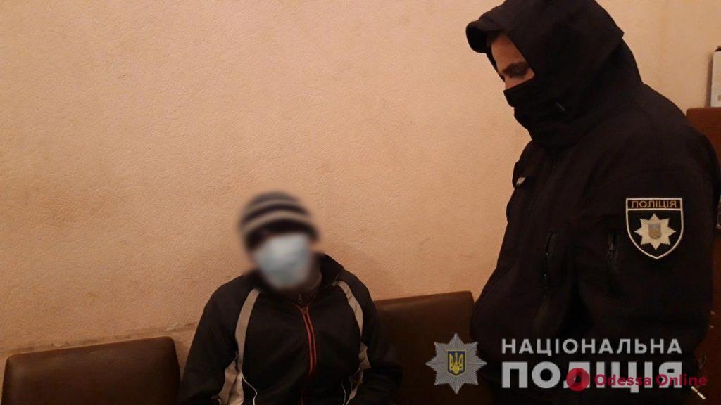 В Измаиле рецидивист ограбил женщину с ребенком