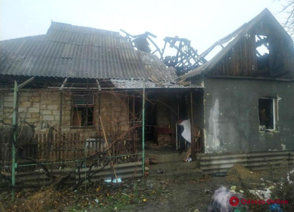 В Раздельной в сгоревшем частном доме обнаружили труп мужчины