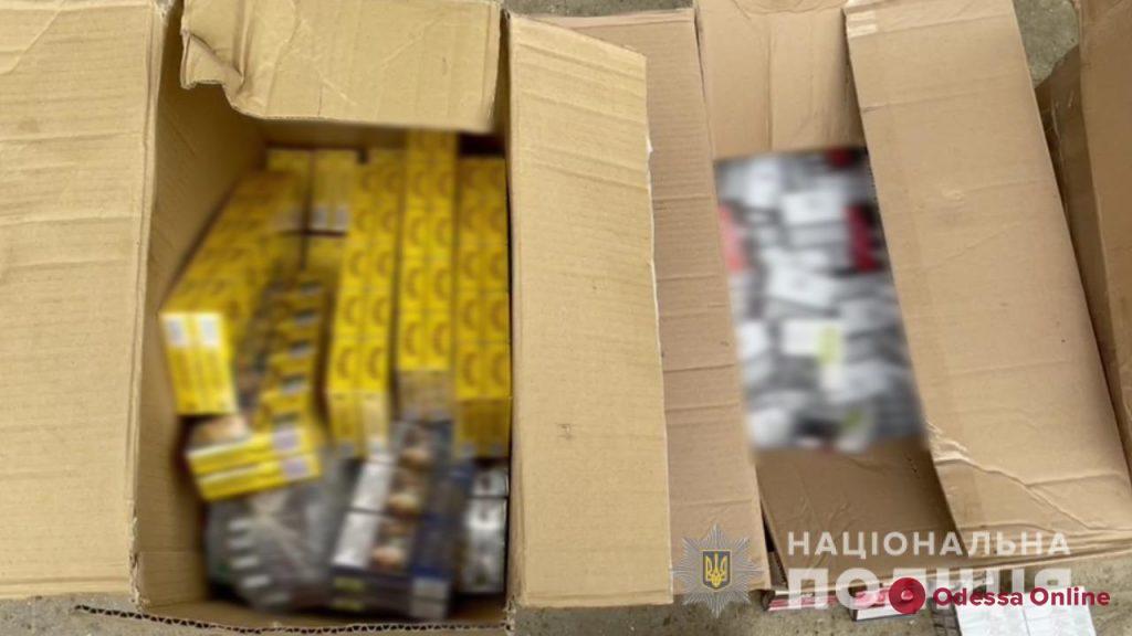 Под Одессой полицейские обнаружили нелегальный алкоголь и сигареты на 400 тысяч