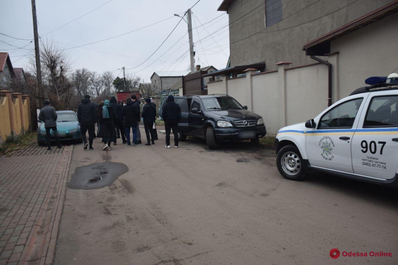 Одессит стрелял в полицейских, которые пришли к нему домой с обыском