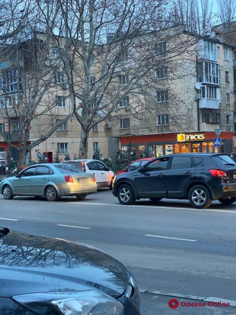 Из-за ДТП на Сегедской образовалась пробка