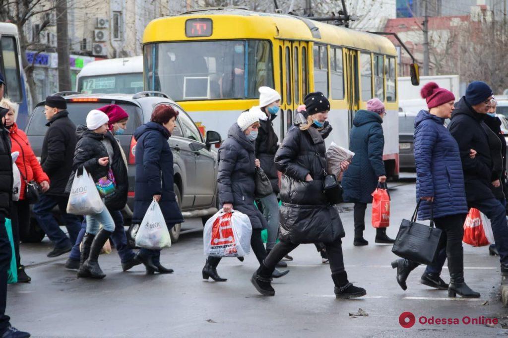 Один день до Нового года: пробки сковали центр Одессы (фото)
