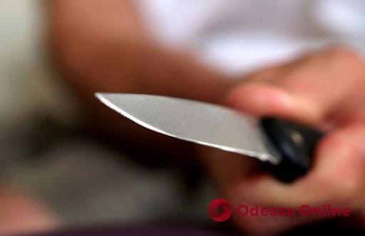 Продавщица черноморского рынка напала с ножом на другую торговку