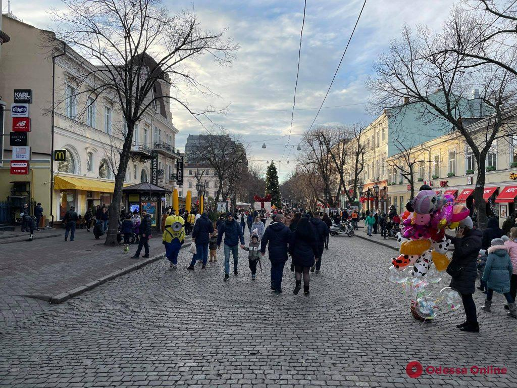 В центре Одессы продолжается празднование Нового года