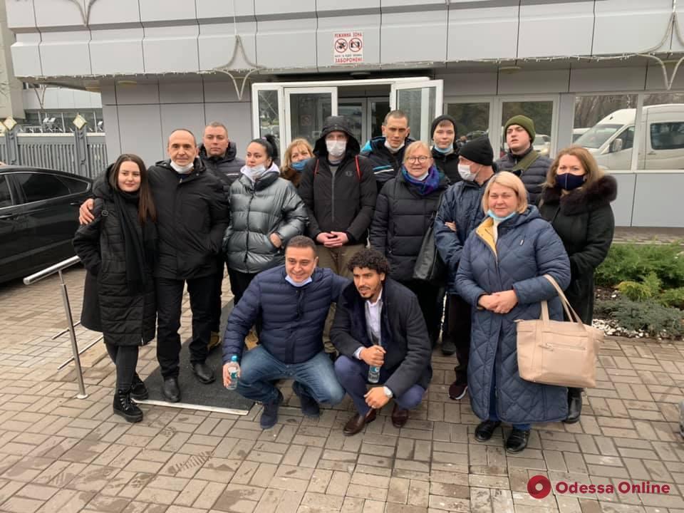 Пять лет в ливийской тюрьме: в Борисполе встречали моряков с танкера Captain Khayyam (фото, видео)