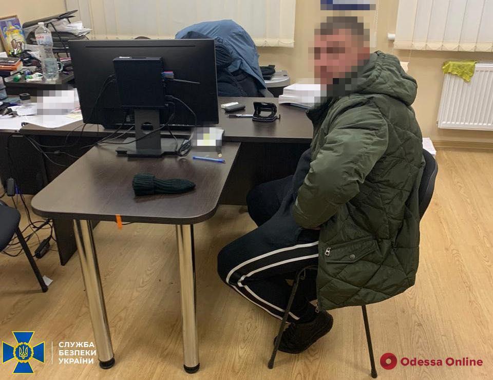В Одесской области полицейский сбежал во время задержания на взятке