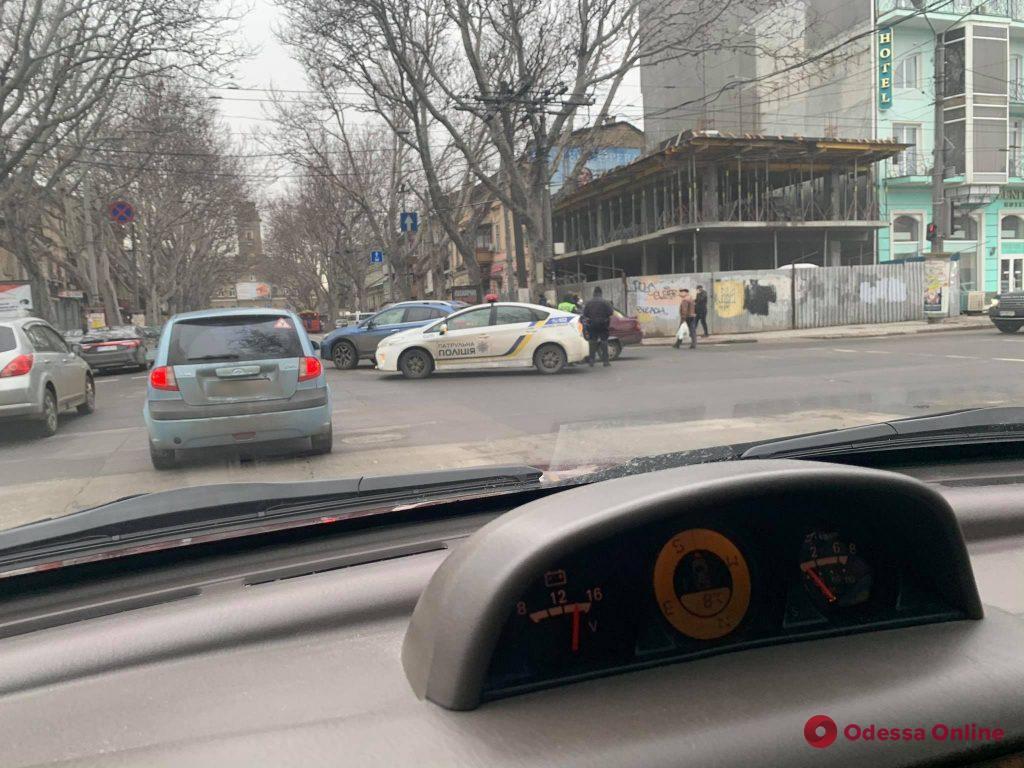 Из-за ДТП на Ришельевской стоят троллейбусы