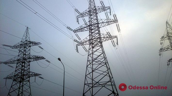 Последствия непогоды: в Одесской области без электричества остаются жители 131 населенного пункта (обновлено)