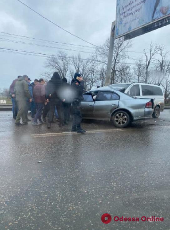 Из-за ДТП в районе Лузановки образовалась пробка
