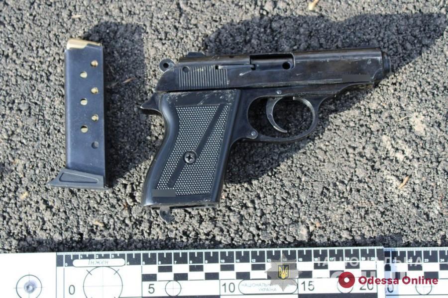В Измаиле поместили под домашний арест хулигана, который угрожал пистолетом пассажиру автобуса
