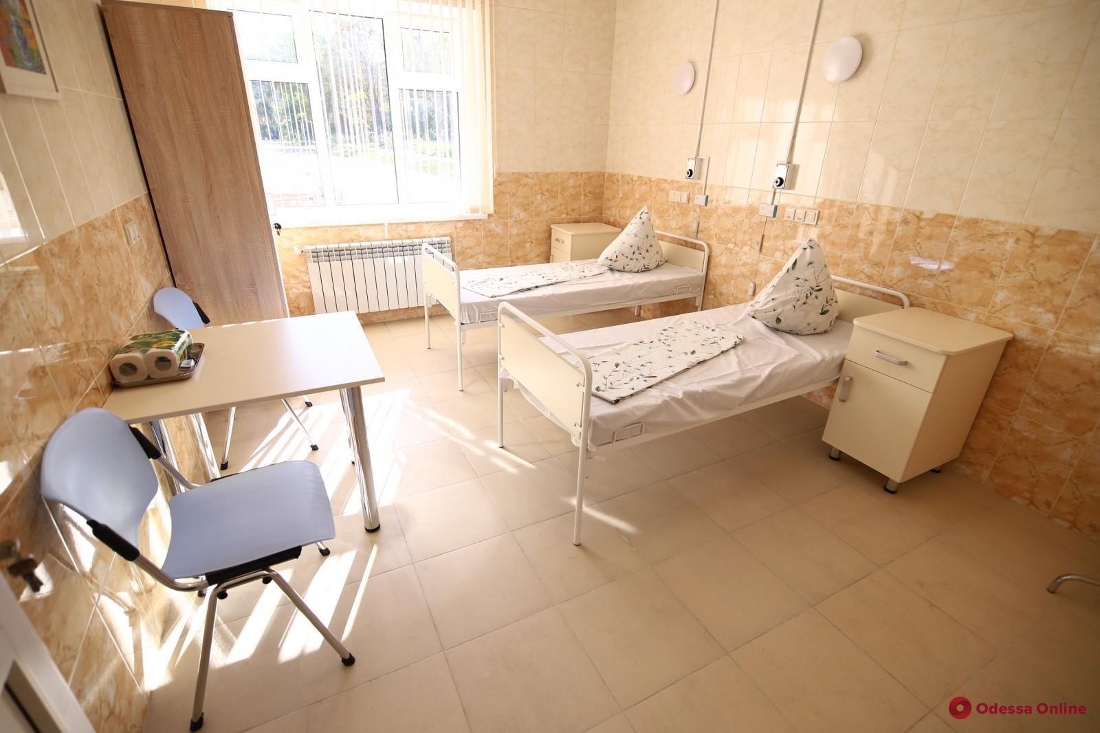 В одесских больницах остаются 235 свободных коек для пациентов с COVID-19