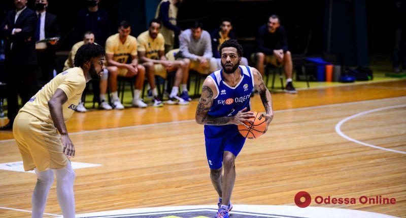 Баскетбол: «Одесса» побеждает в Киеве, «Химик» уступает в Тернополе