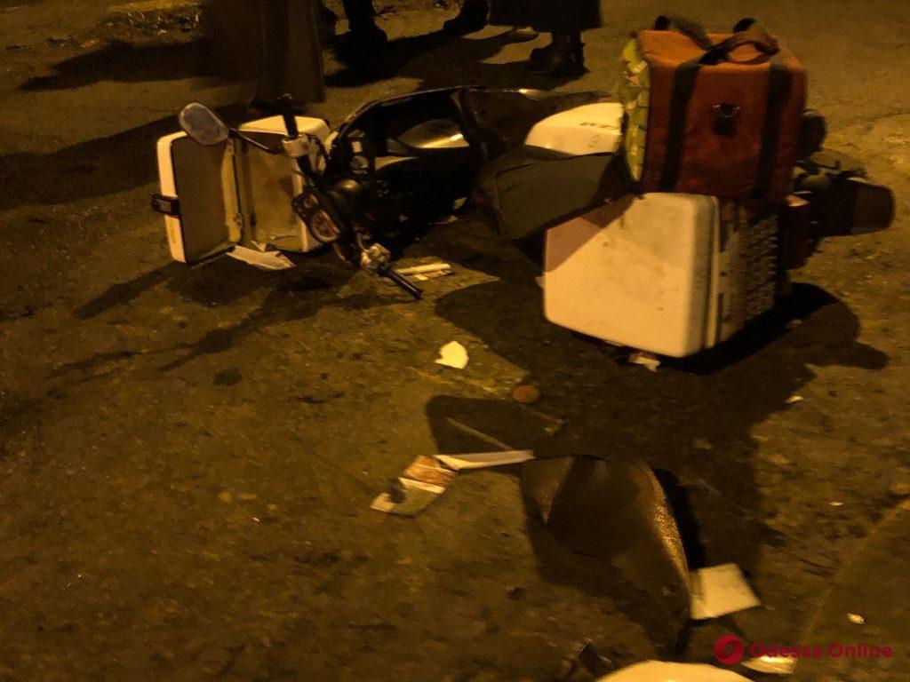 В районе Чубаевки Toyota сбила мопедиста