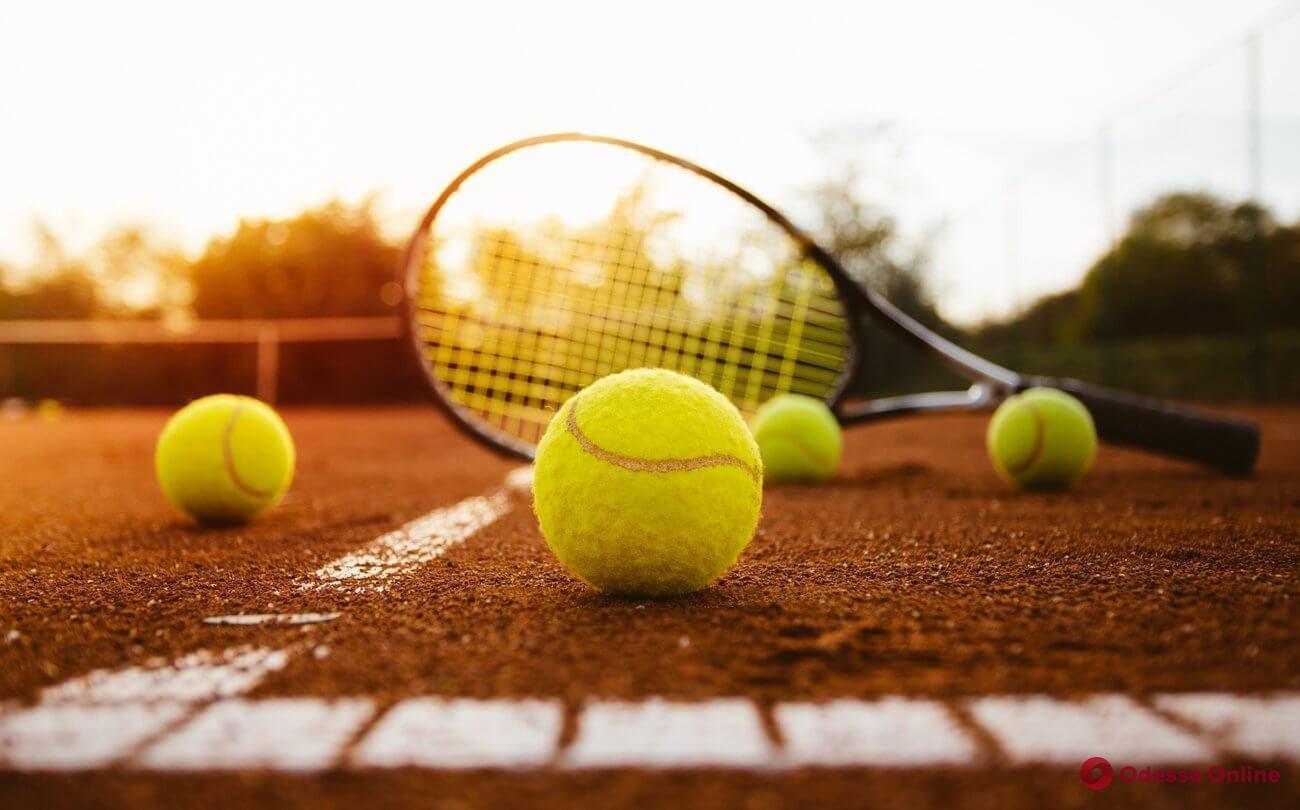 Теннис: Свитолина начинает сезон с победы, Ястремская – со скандала