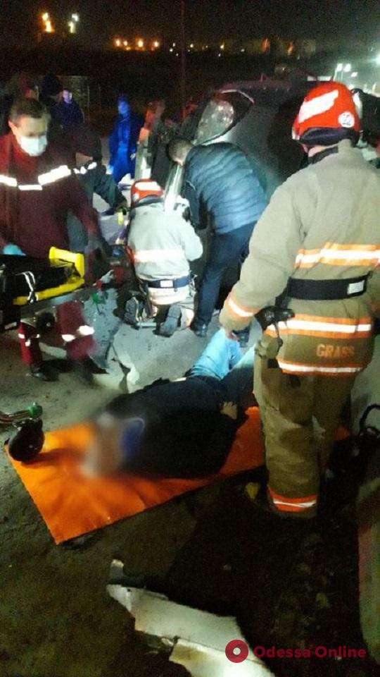 На понтонной переправе под Черноморском в ДТП пострадал водитель «Лексуса»