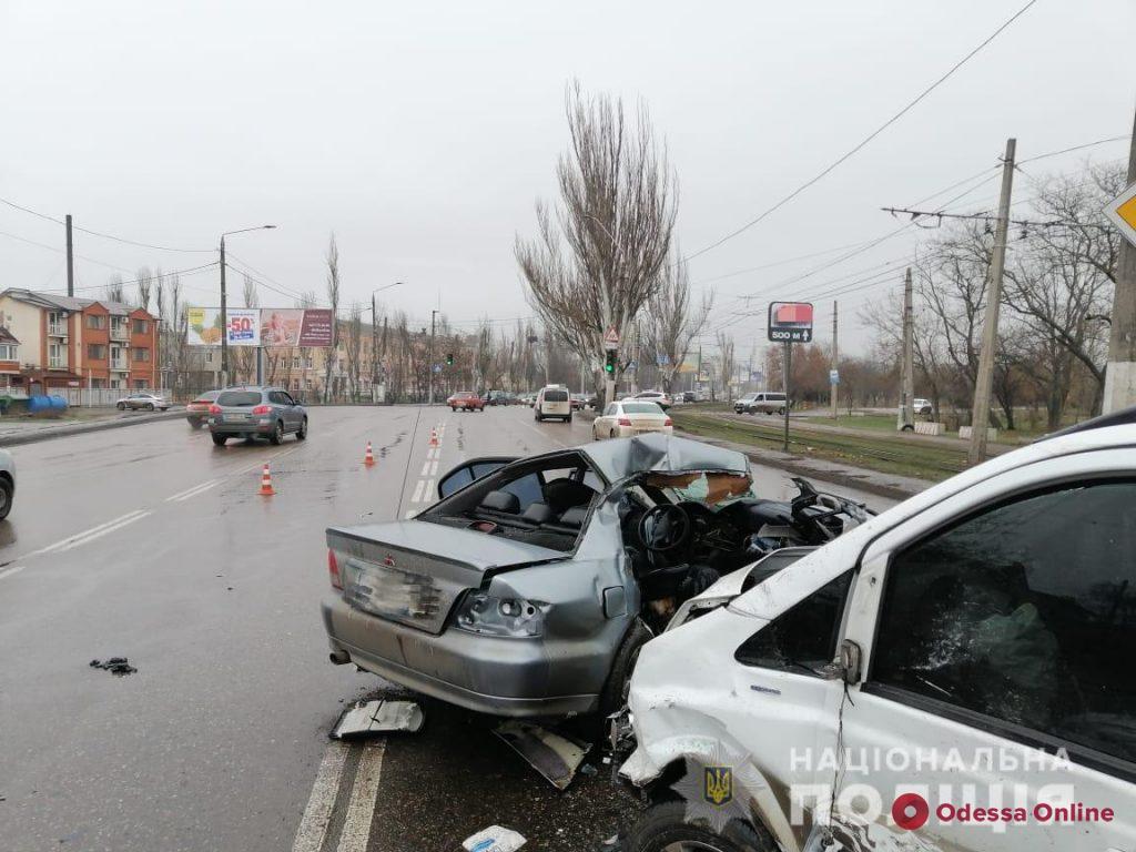 В ДТП на Николаевской дороге погибла 18-летняя девушка (обновлено)