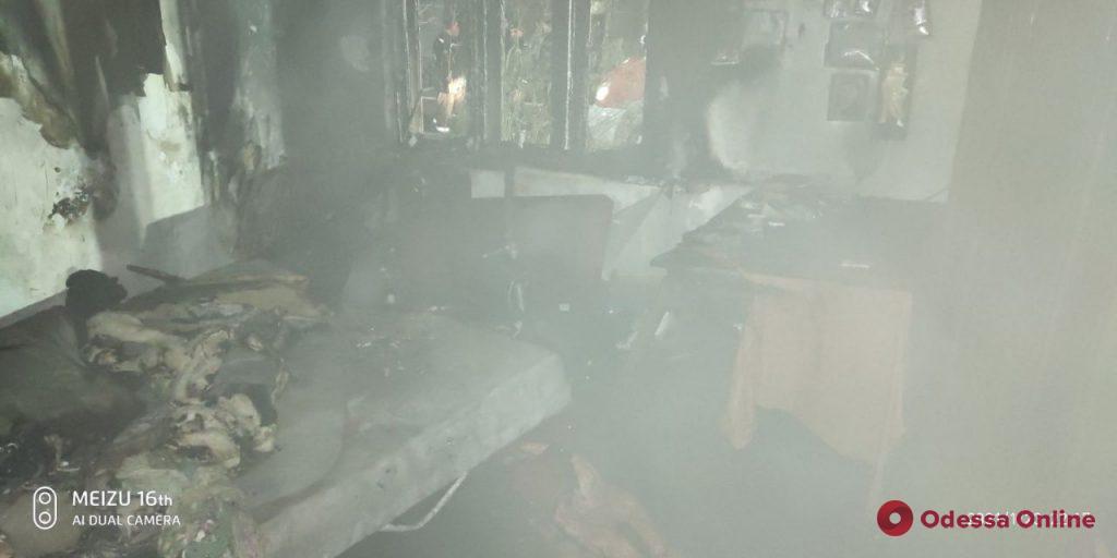 В Измаиле из горящего дома спасли мужчину