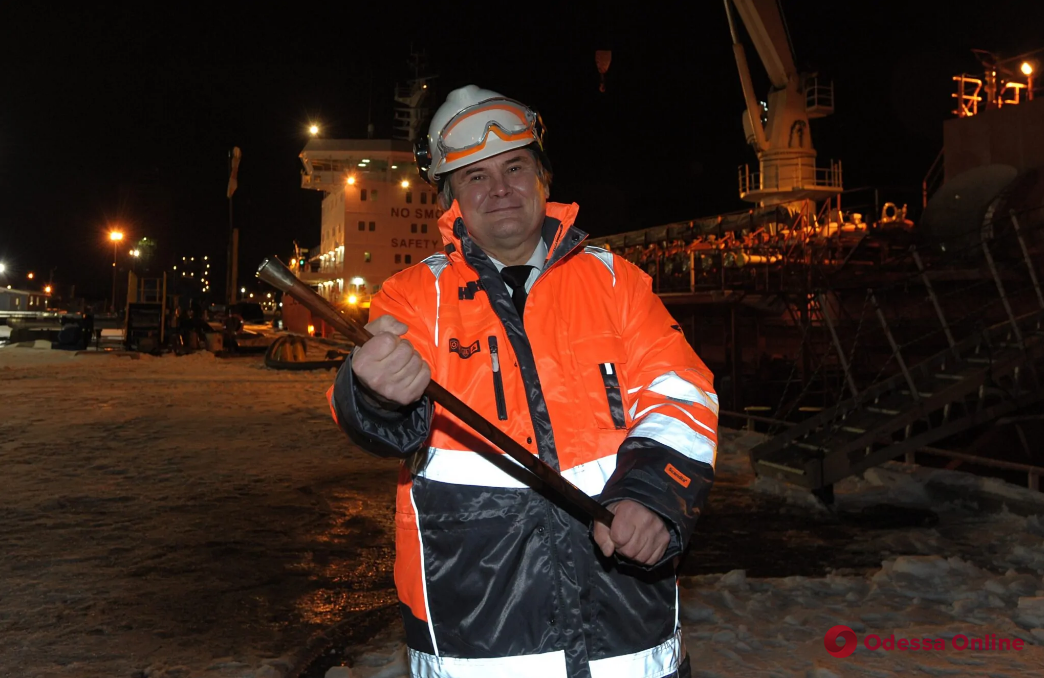 Украинский капитан получил золотую трость в порту Монреаля
