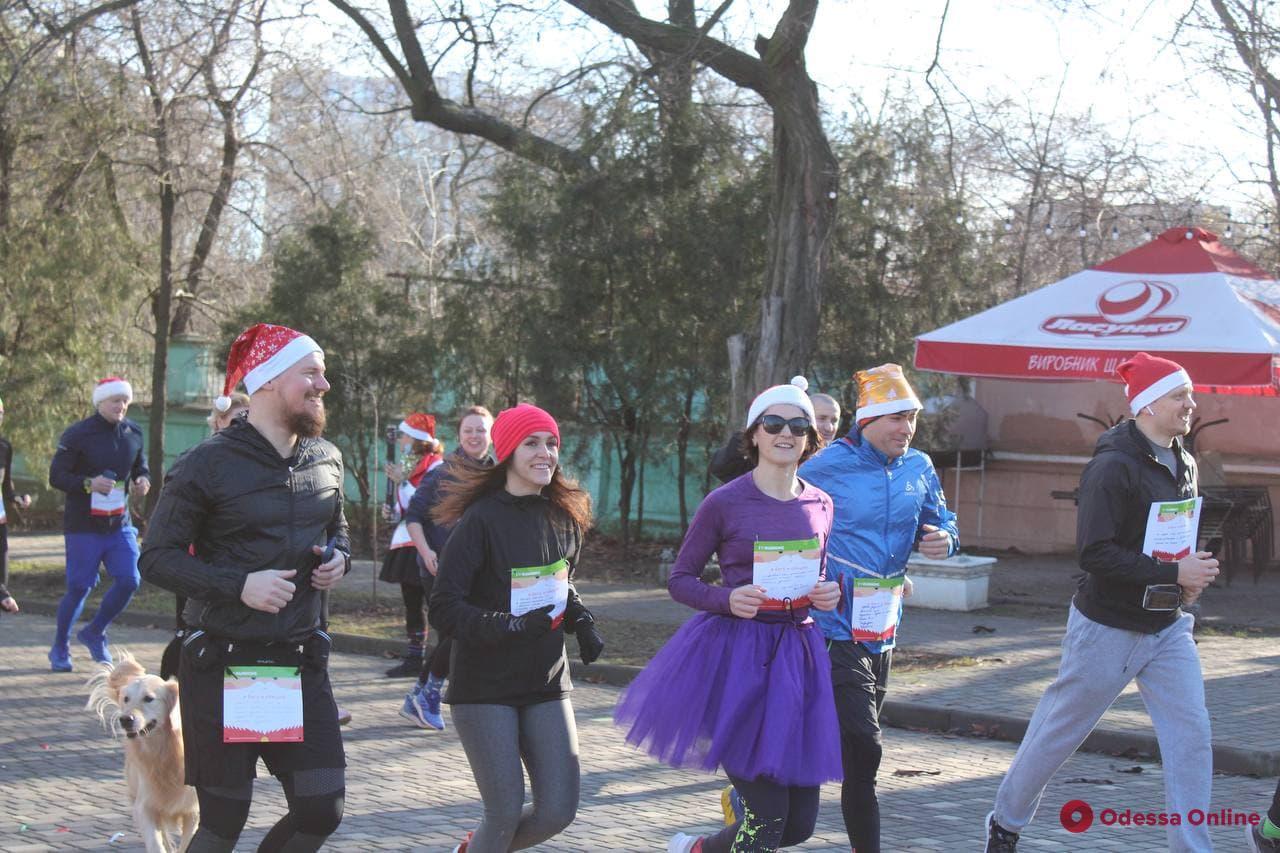 В первый день нового года в парке Шевченко провели «Забег обещаний» (фото)