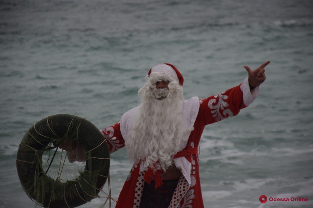 Одесские «моржи» отметили Рождество на Ланжероне