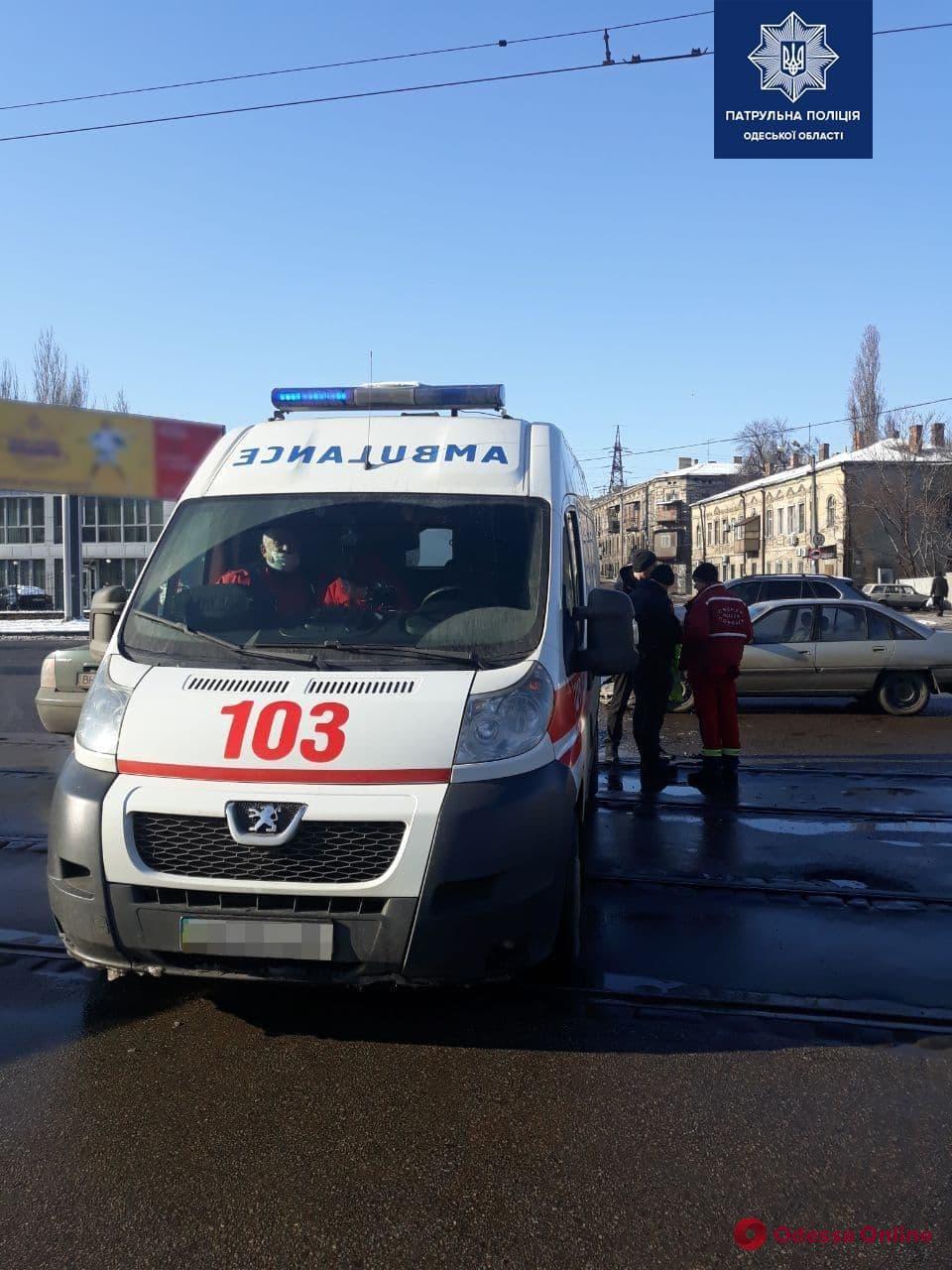 В Одессе произошло ДТП с участием автомобиля скорой помощи