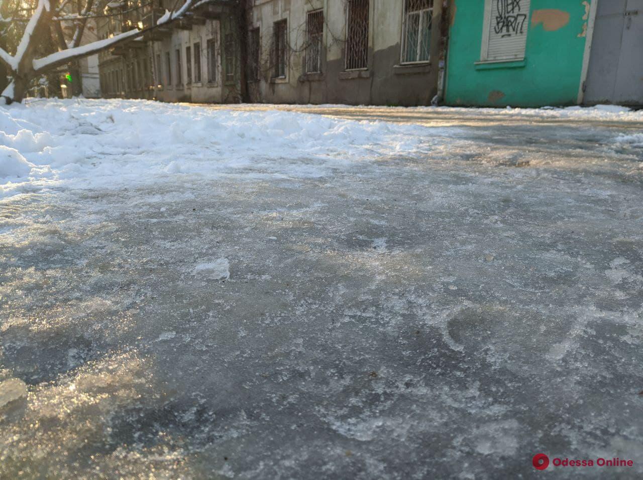В Одессе сохранится гололедица, ночью ожидается до -11 °С