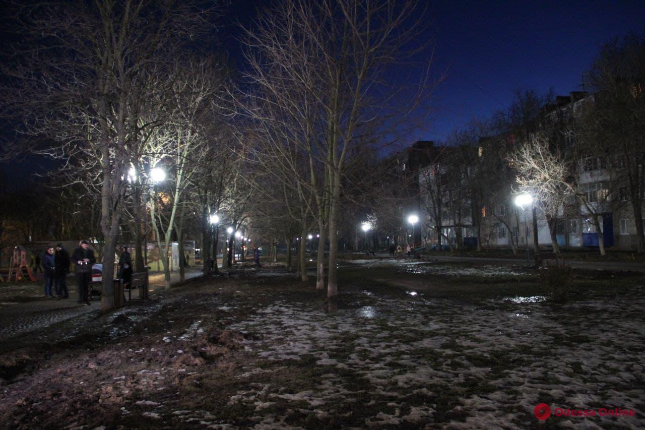 В Одессе полностью обновили уличное освещение на Крымском бульваре