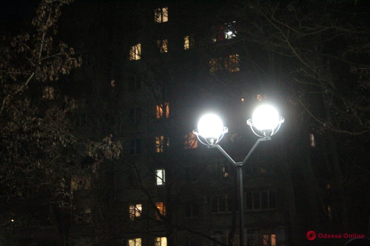 «Вечерняя Одесса»: на улицах Приморского района начнут устанавливать энергосберегающие фонари