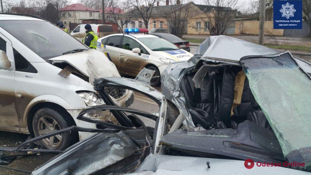 В ДТП на Николаевской дороге погибла 18-летняя девушка