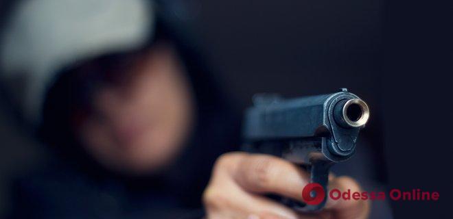 На Таирова неизвестный стрелял в детский сад