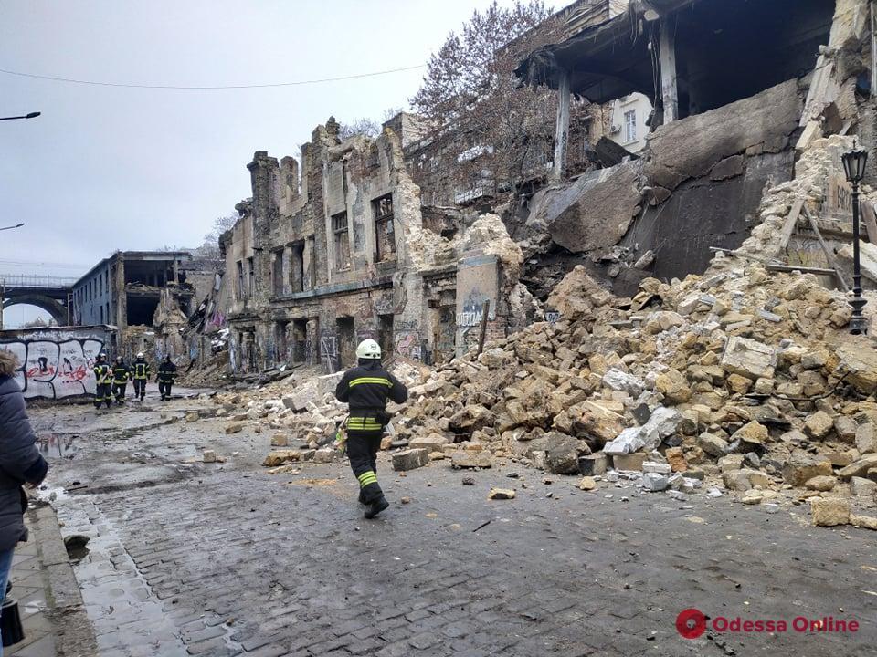 «Запускайте процедуру и обращайтесь в суд»: мэр Одессы потребовал вернуть городу рухнувший дом на Деволановском спуске