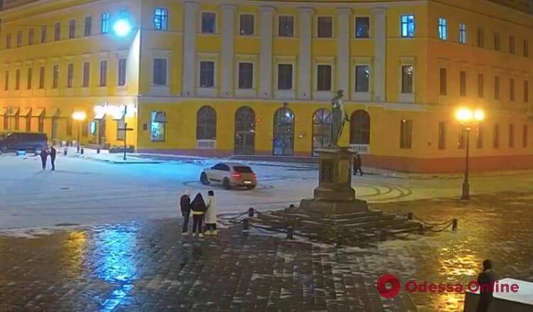 Дрифт у Дюка: в Одессе уволят сотрудников департамента муниципальной безопасности