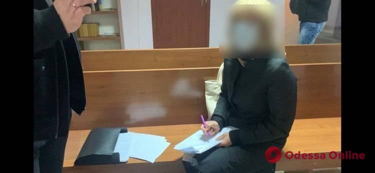 В Одессе нотариуса будут судить за переоформление чужих квартир на мошенников
