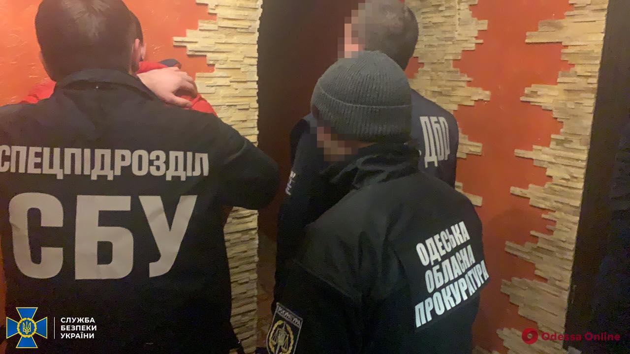 В Одесской области на взятке поймали чиновника налоговой службы