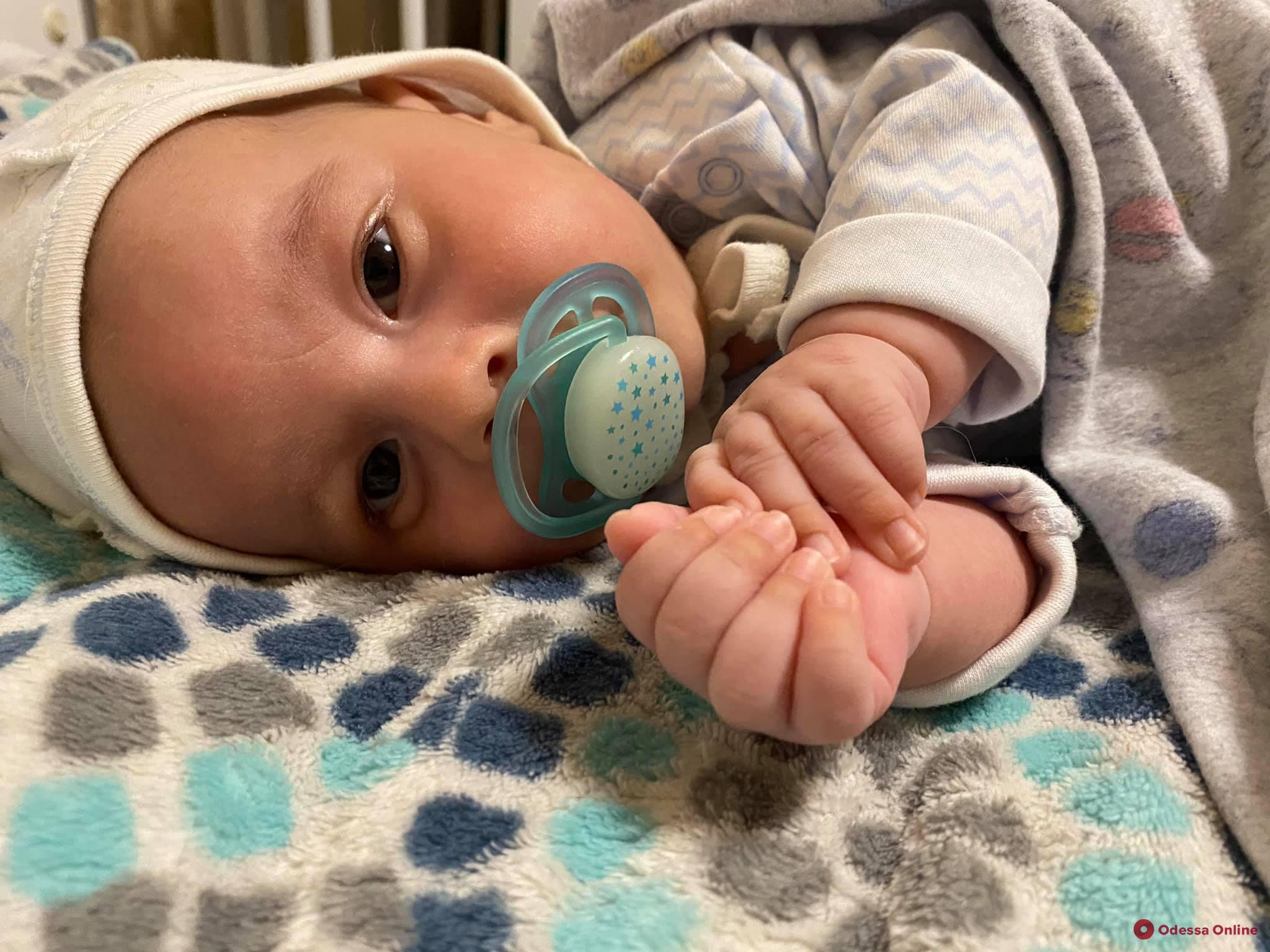 В Одессе младенцу с тяжелой болезнью собирают деньги на укол за 2,3 миллиона долларов
