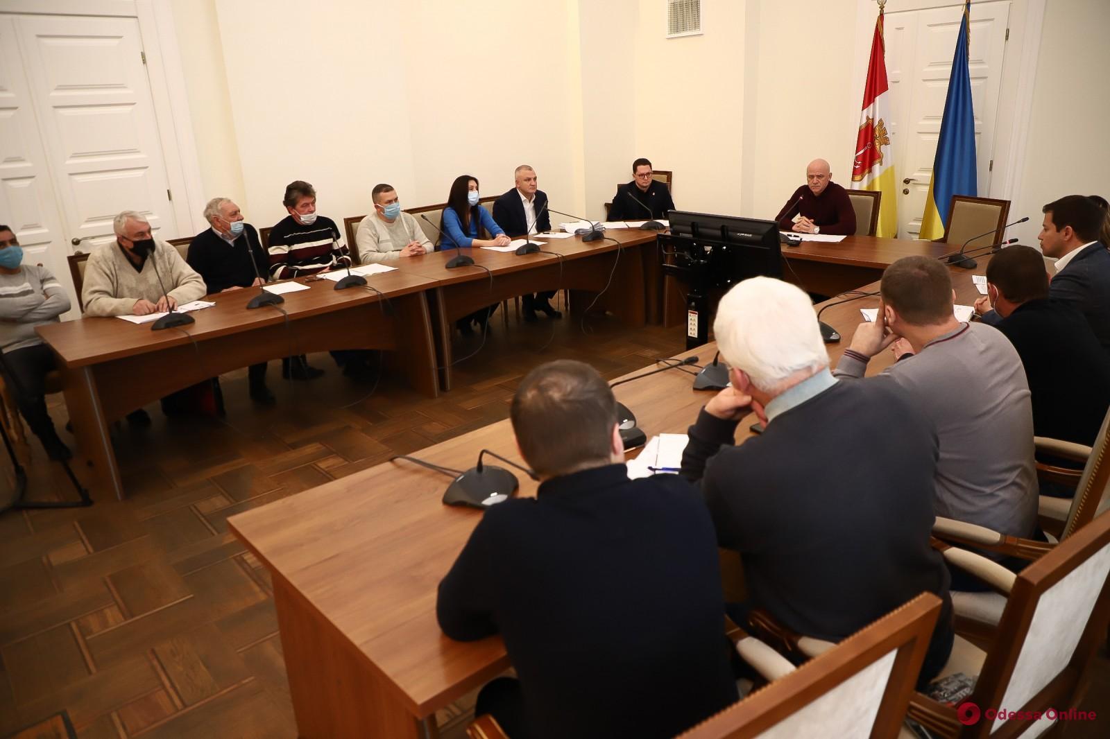 Мэр Одессы встретился с представителями гаражных кооперативов