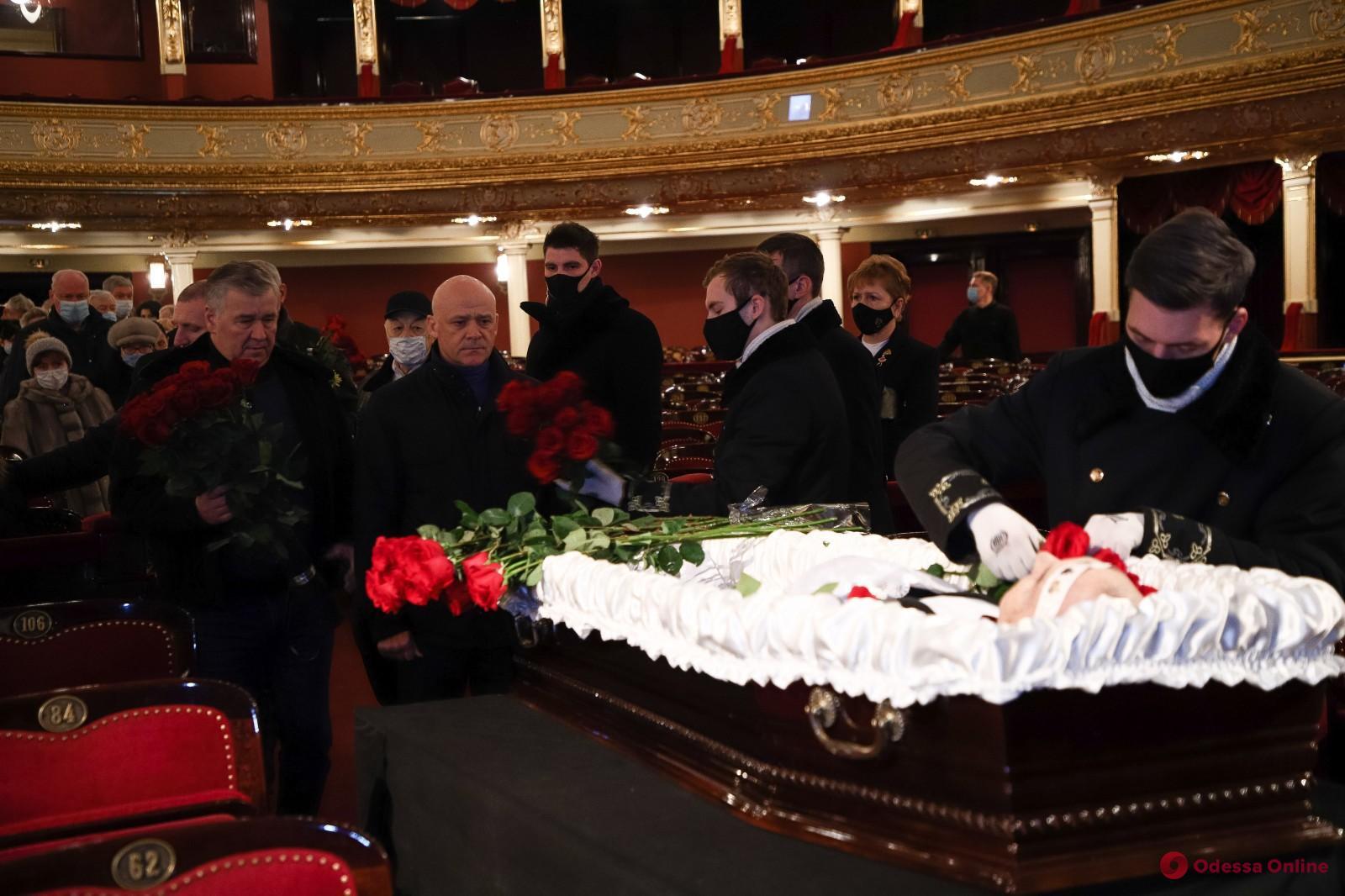 В Одессе простились с известным оперным певцом Анатолием Бойко