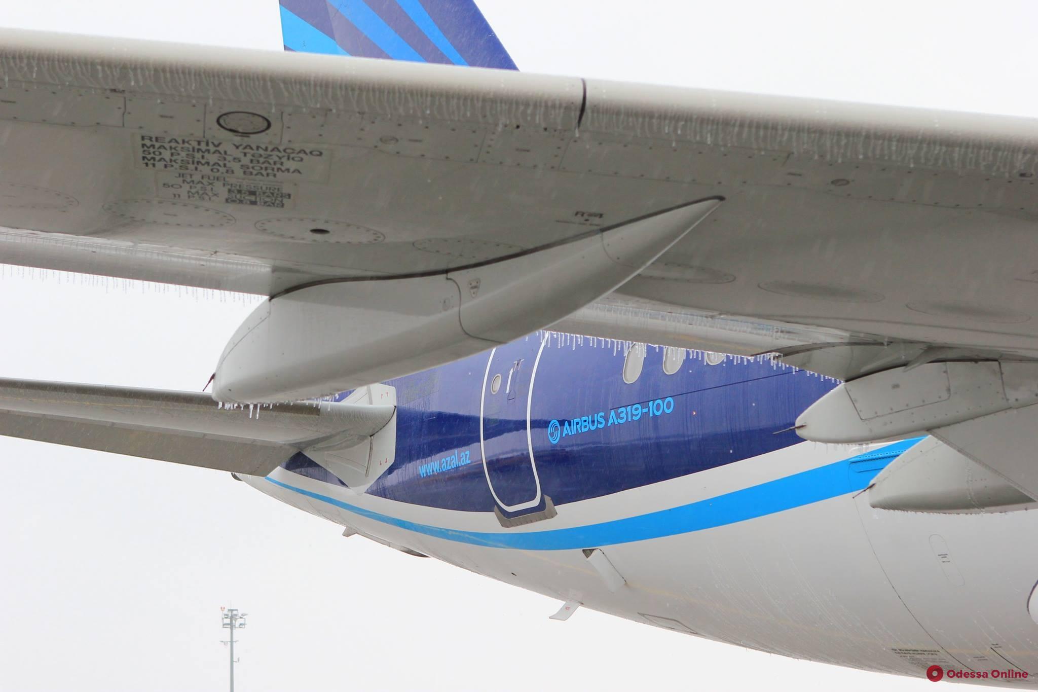 Непогода повлияла на работу одесского аэропорта