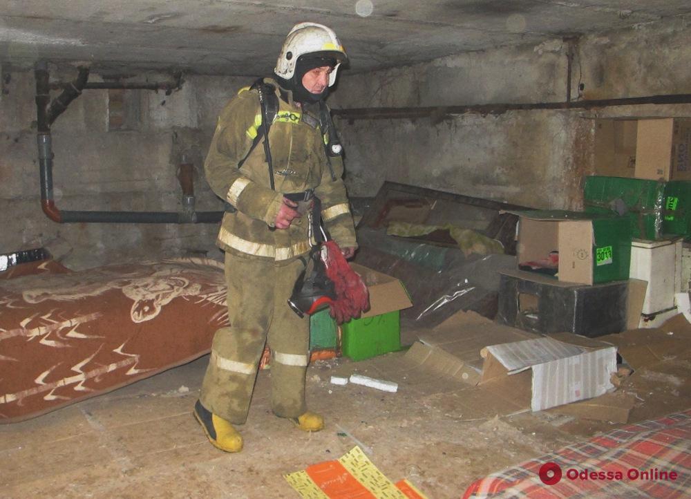 На Екатерининской загорелся подвал – жильцов дома эвакуировали