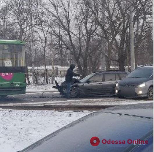 На Черемушках столкнулись трамвай и легковушка (обновлено)
