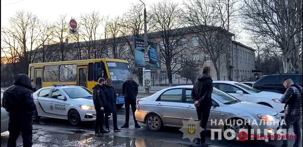 Полицейские задержали одессита, который ограбил агентство недвижимости в Черноморске