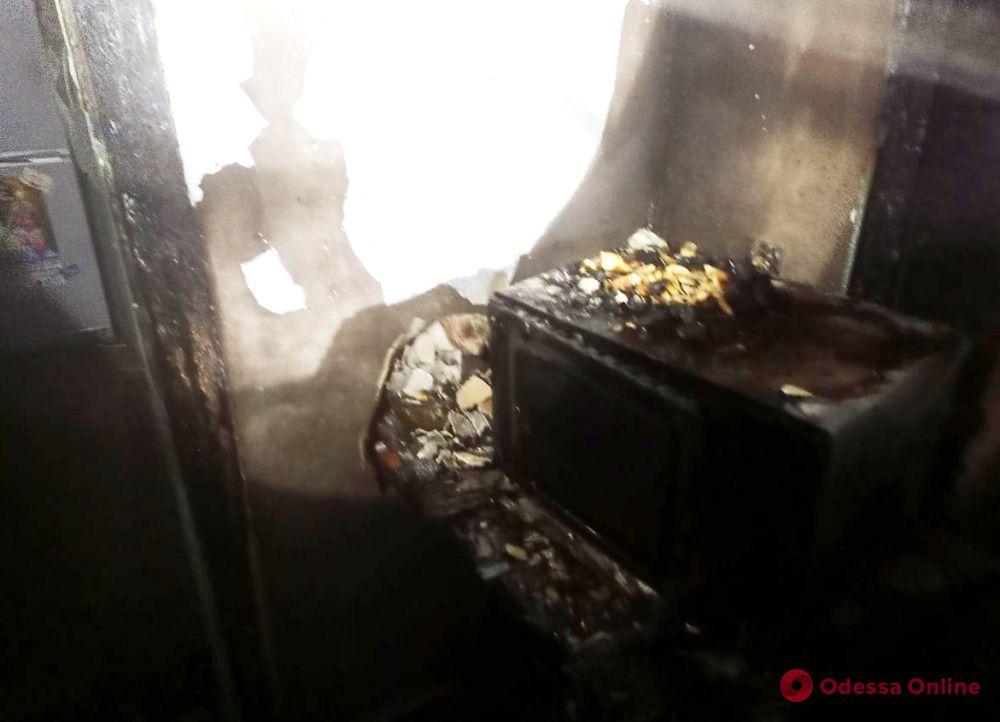 В Одесской области из-за неисправной проводки во время пожара пострадала женщина