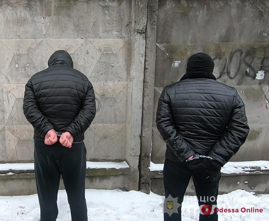 Возле ресторана на проспекте Шевченко иностранцы «обчистили» автомобиль