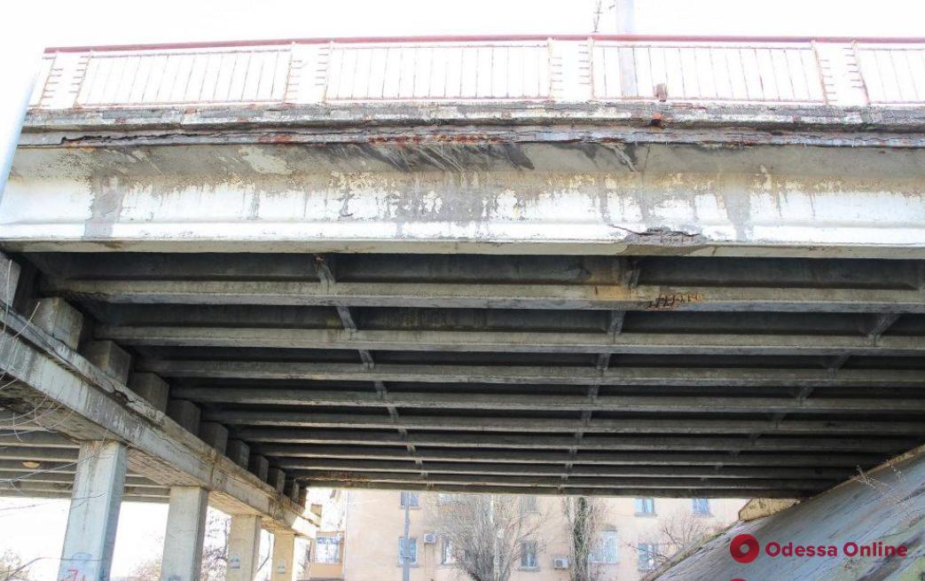 Одесский Ивановский мост могут полностью закрыть для движения транспорта