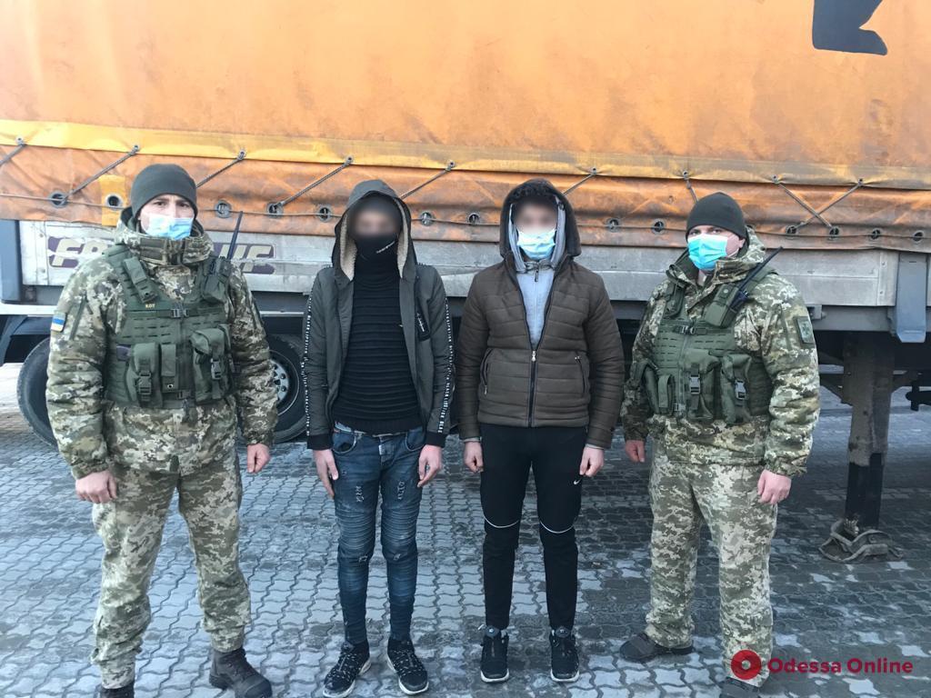 В порту Черноморска поймали двух нелегалов из Сирии