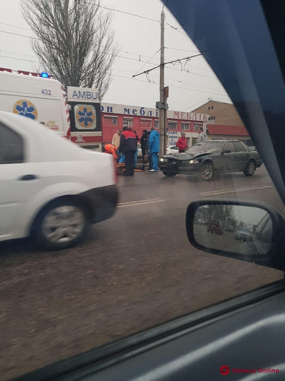 На Николаевской дороге на пешеходном переходе сбили женщину