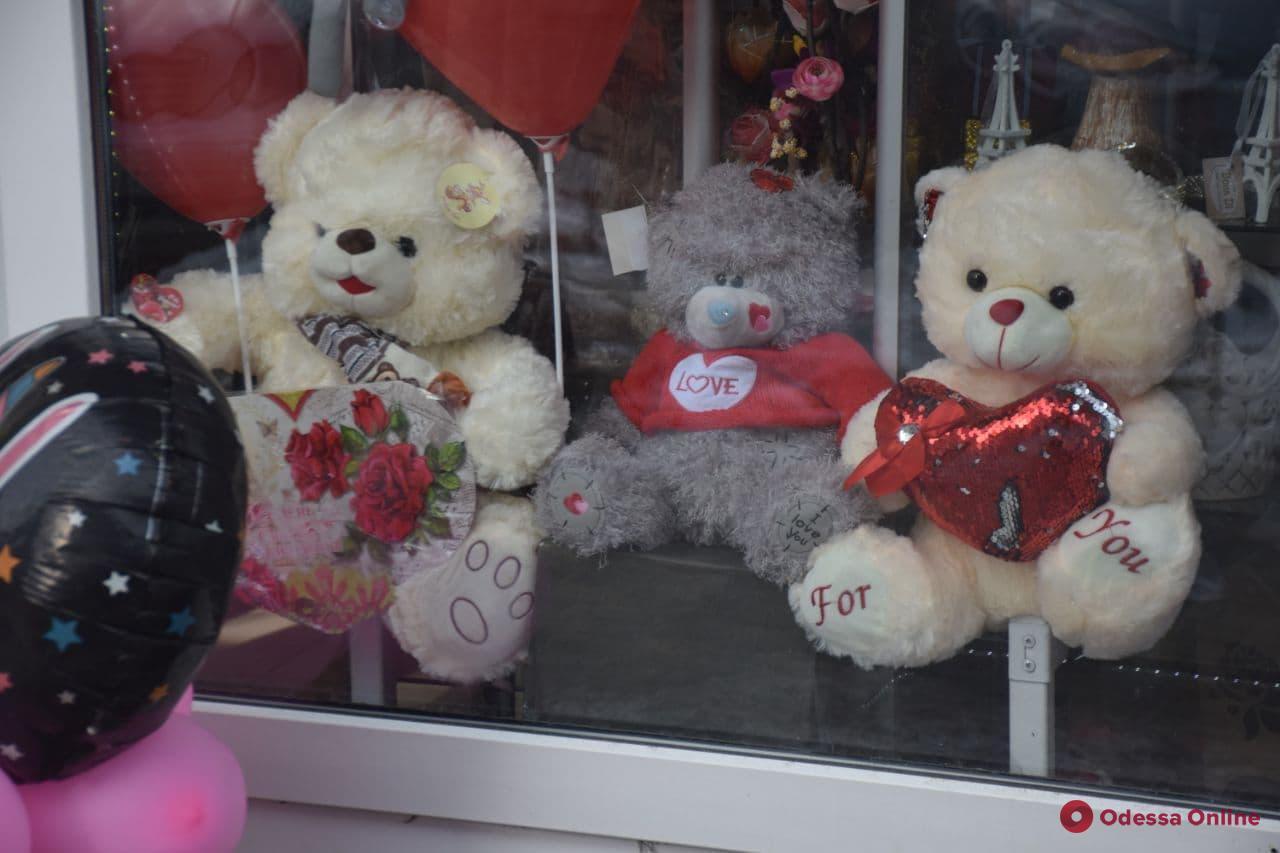 Не забудьте про цветы: во сколько одесситам обходятся букеты в День святого Валентина