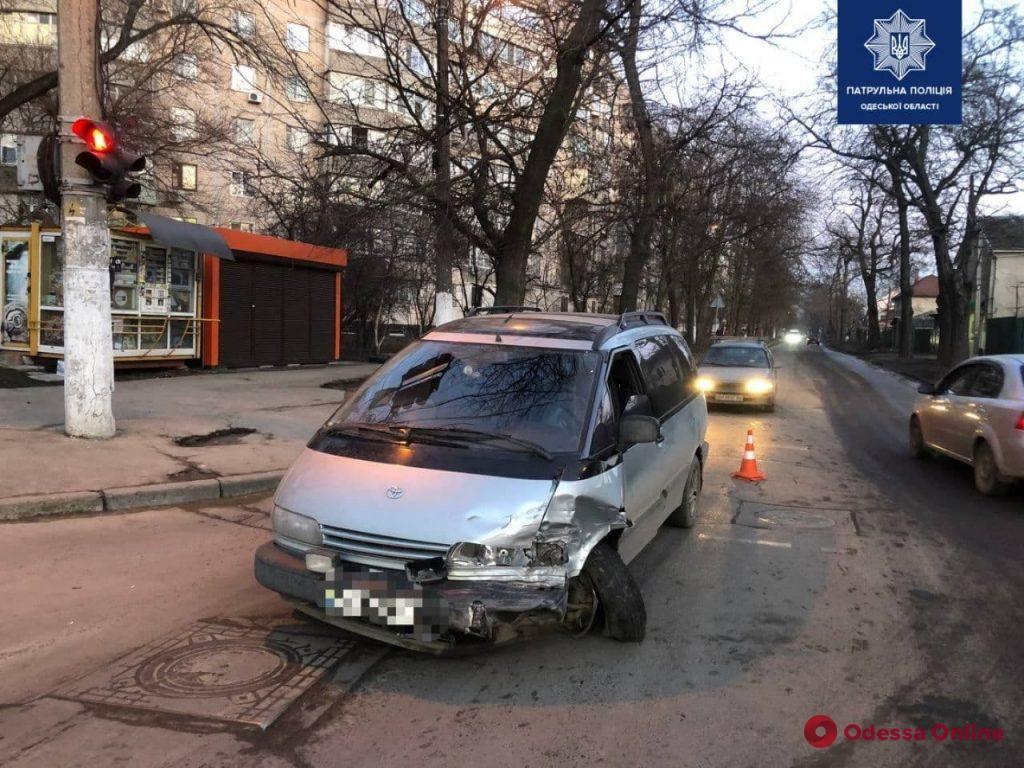 На Люстдорфской дороге пьяный водитель устроил ДТП — пострадала 10-летняя девочка