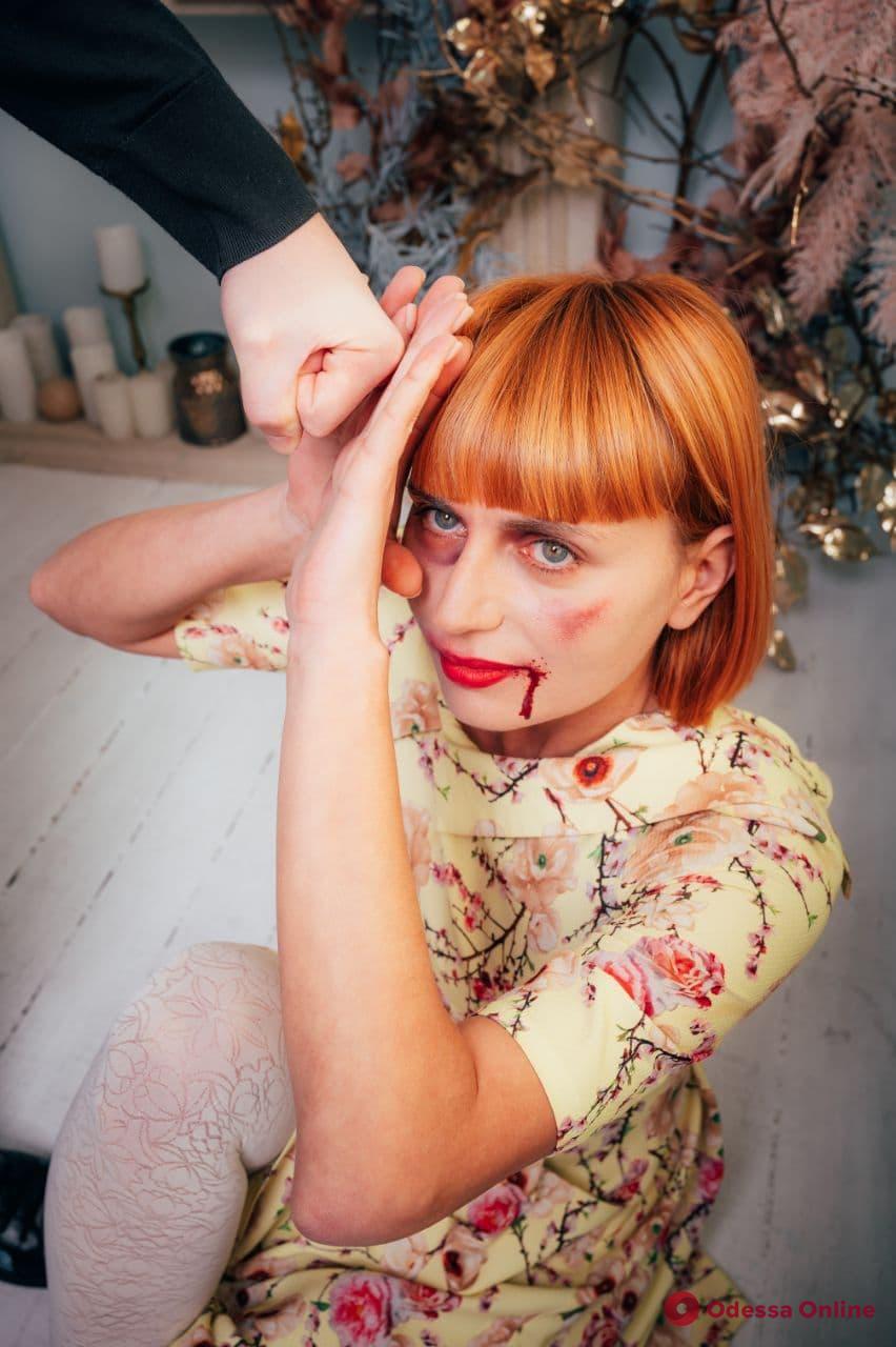 «Стоп домашнее насилие»: журналист Odessa.online и глава ГАСКа снялись в острой фотосессии