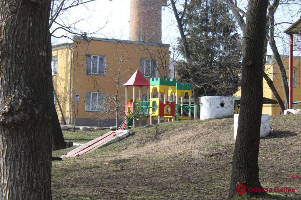 Скандал в областном приюте «Свитанок»: служба по делам детей не хочет отдавать троих воспитанников опекуну